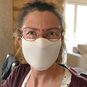 Gesichtsmaske weiß, Größe M, ca. 5 bis 15 Jahre, ca. 11,5 cm x 16 cm mit Druck